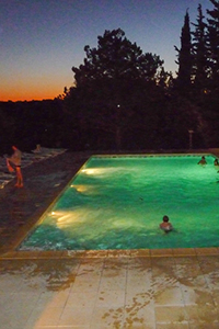 swimming-pool in the night camping fontisson