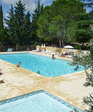 Galerie photos et videos du camping fontisson avignon vaucluse for Camping avignon avec piscine